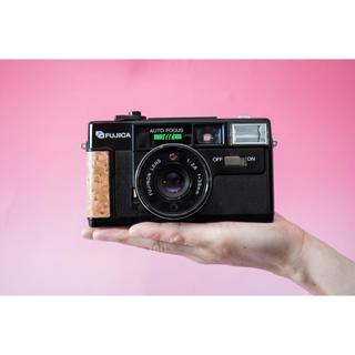 コニカミノルタ(KONICA MINOLTA)の【ウッド仕様】FUJICA Auto-7 メイプル仕上げコンパクトカメラ(フィルムカメラ)
