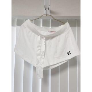 ヴィクトリアズシークレット(Victoria's Secret)のヴィクトリアシークレット ホワイト パンツ 未使用 ハワイで購入(ショートパンツ)