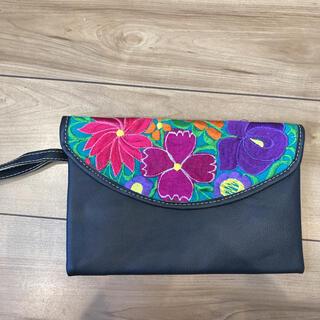 メキシコ産 クラッチバッグ 花柄刺繍 革製品(クラッチバッグ)