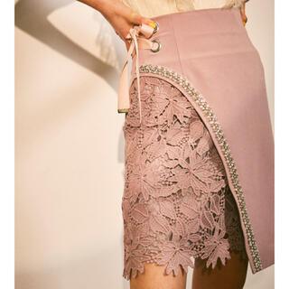 リリーブラウン(Lily Brown)のL.B CANDY STOCK ビジューレーススカート ピンク S(ミニスカート)