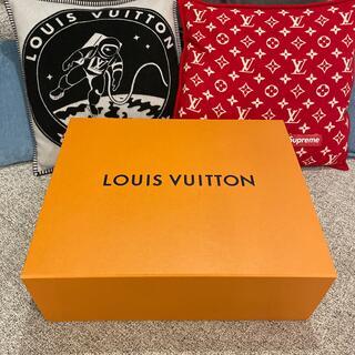 ルイヴィトン(LOUIS VUITTON)の*美品LOUIS VUITTON 空箱 2021*(ショップ袋)