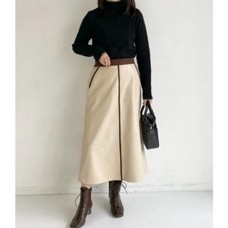 トゥデイフル(TODAYFUL)の【新品未使用】Neuna エコレザーフレアパイピングスカート(ロングスカート)