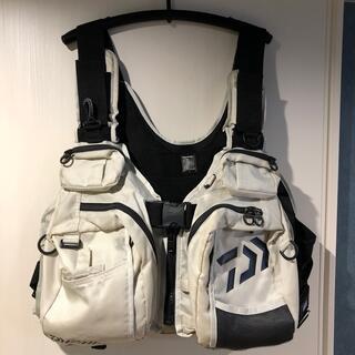DAIWA - Daiwa フローティングジャケット Lサイズ