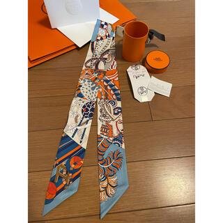 エルメス(Hermes)の今週購入❣️新品エルメス2021コレクション シルクツイリー≪杖傘と決闘≫ (バンダナ/スカーフ)