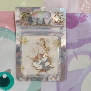 ディズニー(Disney)のディズニー 20周年 クリスタルスフィア ミニー チャーム(チャーム)