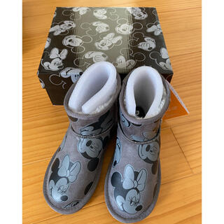 グラビス(gravis)のGRAVIS グラビス ムートンブーツ ディズニーミッキーミニー 21cm新品(ブーツ)
