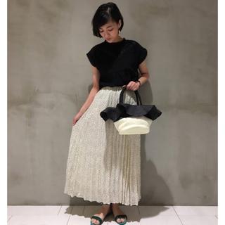 テチチ(Techichi)の美品 lugnoncure ルノンキュール ドットプリーツスカート グレー(ロングスカート)