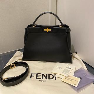 フェンディ(FENDI)の極美品 FENDI ピーカブー ラッピーお付けします♡(ハンドバッグ)
