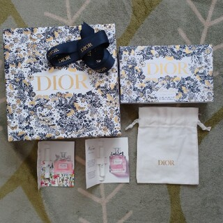 Christian Dior - ディオール⭐ホリデー限定ボックス・巾着・香水サンプル付き