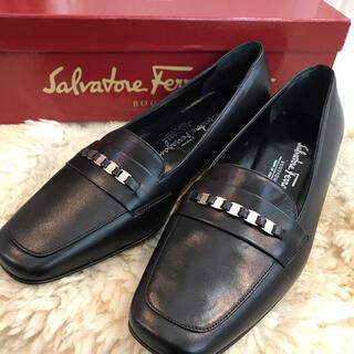 サルヴァトーレフェラガモ(Salvatore Ferragamo)の☆未使用品☆フェラガモ ローファー ヴァラ レザー 約22.5cm(ローファー/革靴)