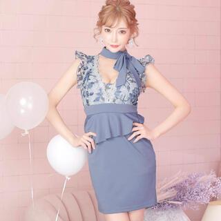 dazzy store - 明日花キララ着用 ブルーローズ柄レプラムタイトミニキャバドレス