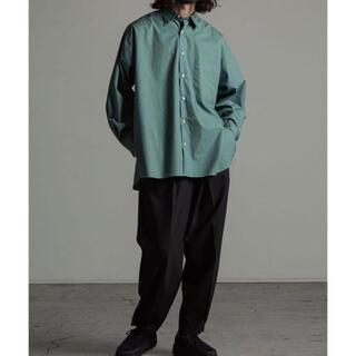 マーカウェア(MARKAWEAR)のMARKAWARE COMFORT FIT  SHIRTS グリーン 20ss(シャツ)