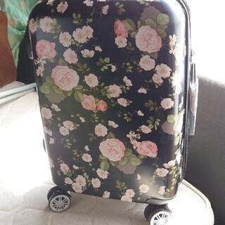 ピンクハウス(PINK HOUSE)のピンクハウス♡可愛い花柄キャリーバッグ新品未使用(スーツケース/キャリーバッグ)