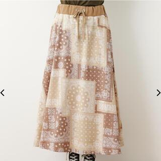 ロデオクラウンズワイドボウル(RODEO CROWNS WIDE BOWL)のパッチワークペイズリースカート(ロングスカート)