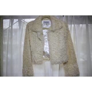 ヴァンドゥーオクトーブル(22 OCTOBRE)の美品!22 OCTOBRE 白のファーコート(毛皮/ファーコート)