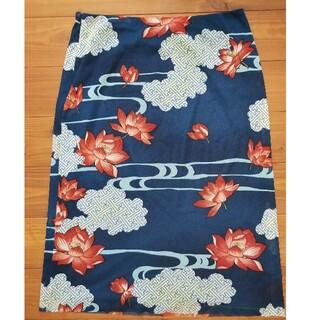 ヴィヴィアンタム(VIVIENNE TAM)のタイトスカート(ひざ丈スカート)