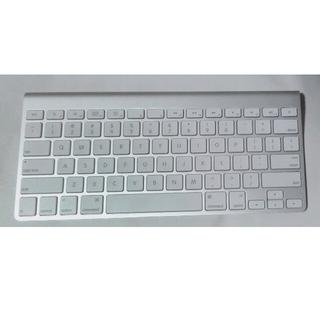 マック(Mac (Apple))のApple  純正キーボード  Bluetooth model A1314(PC周辺機器)