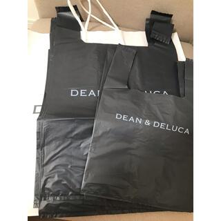 ディーンアンドデルーカ(DEAN & DELUCA)のDEAN&DELUCA ビニールショッパー チャコールグレー 5枚セット(ショップ袋)