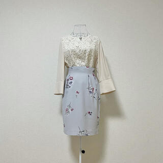 ノエラ(Noela)のnoela 花柄 タイトスカート アイスブルー S(ひざ丈スカート)