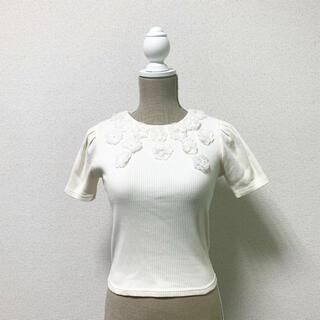 ダズリン(dazzlin)のdazzlin ダズリン トップス 花柄 白 ホワイト 半袖(カットソー(半袖/袖なし))