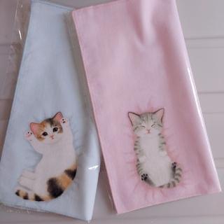 フェリシモ(FELISSIMO)の新品 フェリシモ 猫部 タオル ハンカチ (ミケ&キジ白) 猫 ねこ ネコ(その他)