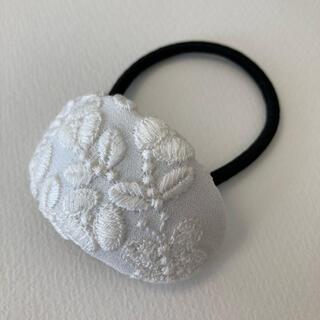 mina perhonen - ミナペルホネン ヘアゴム handmade flower cake ホワイト