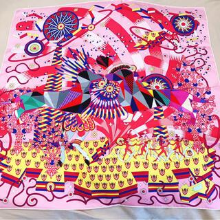 エルメス(Hermes)のHERMES カレ90 限定品 ダックスフンドパッチワーク刺繍(スカーフ)
