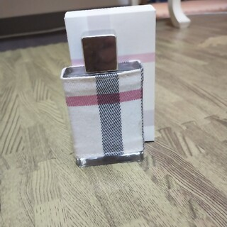 バーバリー(BURBERRY)の完全正規品 新品同様 バーバリー 香水(香水(女性用))