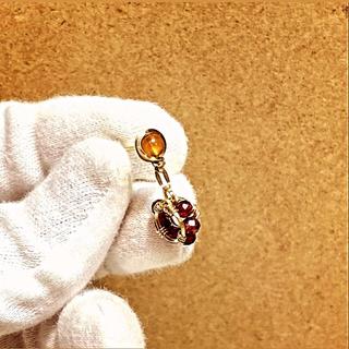 試作特価*14kgfヘソナイト×ロードライトガーネットリングの片耳スタッドピアス(ピアス)