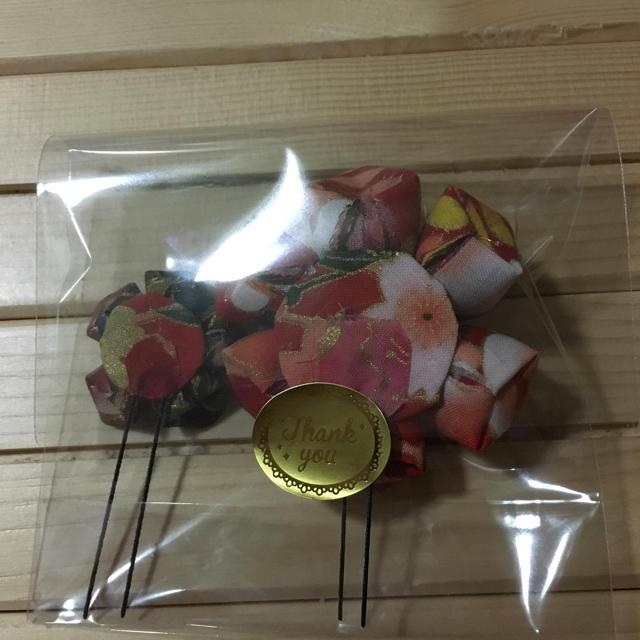 つまみ細工 髪飾り ハンドメイドのアクセサリー(ヘアアクセサリー)の商品写真