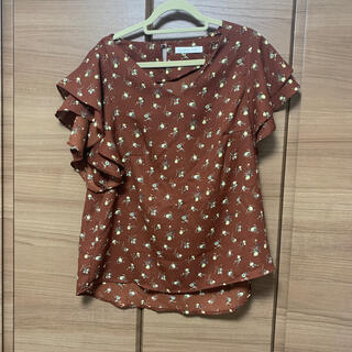 ローリーズファーム(LOWRYS FARM)のLOWRYSFARM 花柄フリル(Tシャツ(半袖/袖なし))