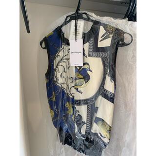 サルヴァトーレフェラガモ(Salvatore Ferragamo)の美品 シルク フェラガモM(シャツ/ブラウス(半袖/袖なし))