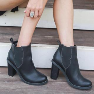 ALEXIASTAM フェイクレザーアンクル丈ショートブーツ Lサイズ(ブーツ)