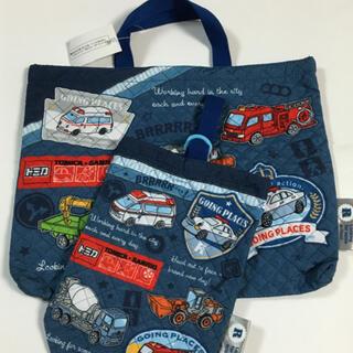 サンリオ(サンリオ)の新品タグ付◯トミカ×サンリオ◯手提げバッグ&上履き入れ2点セット(レッスンバッグ)