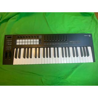 Novation LAUNCHKEY49 MK3(MIDIコントローラー)