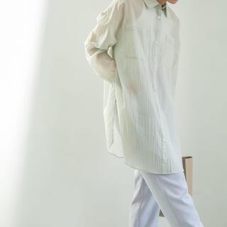 ケービーエフ(KBF)のペーパータッチシアーシャツ(シャツ)