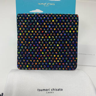 ツモリチサト(TSUMORI CHISATO)のtsumori chisato ミニ 二つ折り財布 イリュージョン 黒 赤(財布)