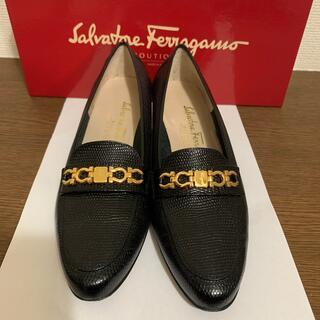 サルヴァトーレフェラガモ(Salvatore Ferragamo)のフェラガモ 黒 6C 22.5cm Salvatore Ferragamo (ローファー/革靴)