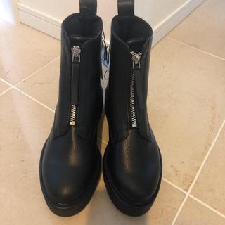 エイチアンドエム(H&M)のH&M フロントジップブーツ 36(ブーツ)