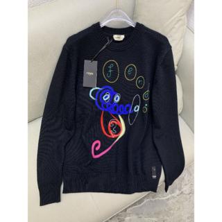 フェンディ(FENDI)の【FENDI】刺繍 フェンディ クルーネック セーター ☆(ニット/セーター)