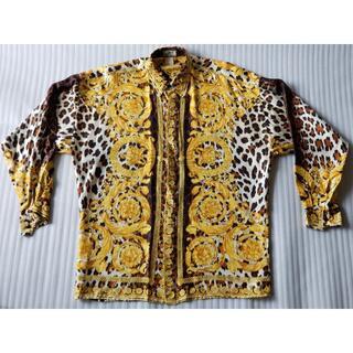 ジャンニヴェルサーチ(Gianni Versace)のジャンニヴェルサーチシルク100%ビンテージドレスシャツ豹柄金王冠クリーニング済(シャツ)