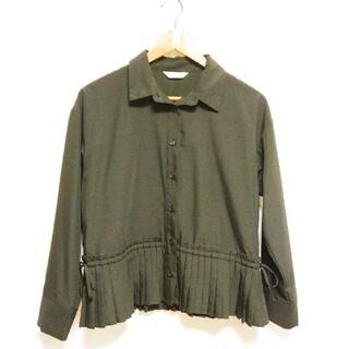 ビームス(BEAMS)のBEAMS 黒ブラウス 裾プリーツ&リボンデザイン(シャツ/ブラウス(長袖/七分))