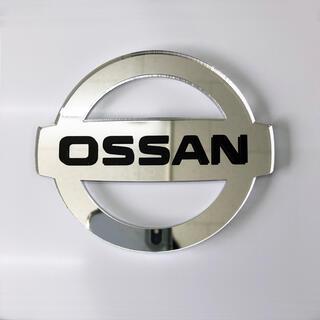 ニッサン(日産)のOSSAN(オッサン)アクリルミラー板エンブレム(車外アクセサリ)