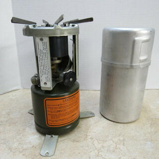 コールマン(Coleman)のM-1941  stove  1944年製 デッドストック 超希少 ミリタリー(調理器具)