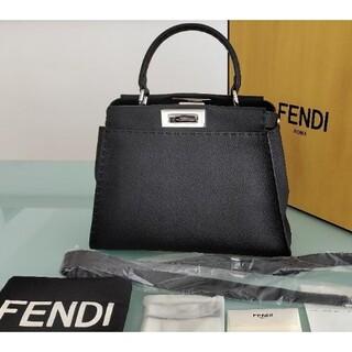 FENDI - 【超美品/未使用に近い】FENDI セレリア・ピーカーブー