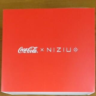 コカコーラ(コカ・コーラ)のコカコーラ×NiziU ペアグラス&保冷ペットボトルクーラー(アイドルグッズ)