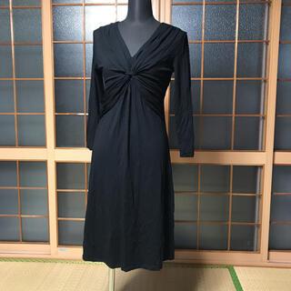 ローラアシュレイ(LAURA ASHLEY)のローラアシュレイ 黒 胸元ギャザーデザインワンピース(ロングワンピース/マキシワンピース)