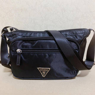 GUESS - 【新品】GUESS ナイロンショルダーバッグ