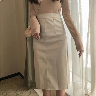 エイミーイストワール(eimy istoire)のレザー膝丈スカート(ベージュ)(ひざ丈スカート)