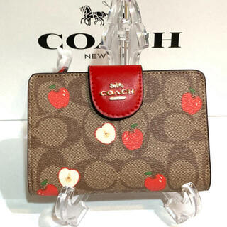 COACH - COACH二つ折り財布C4117 りんご柄 箱・紙袋付き